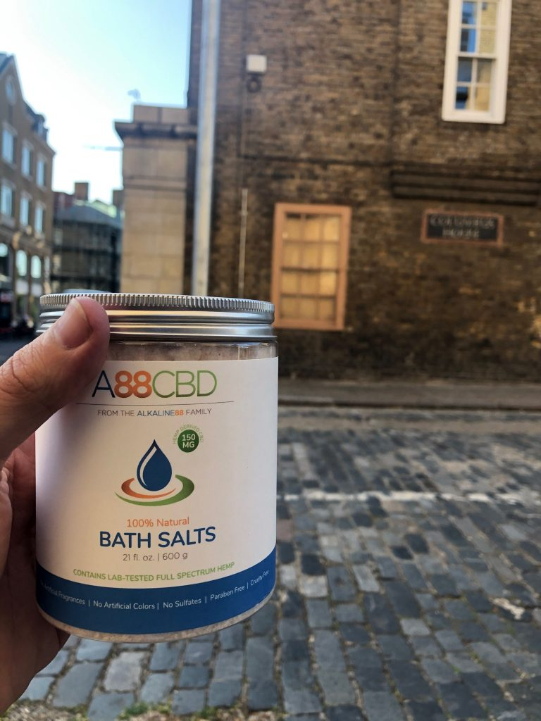 A88CBD CBD-Infused Bath Salts in shabby chic Wapping